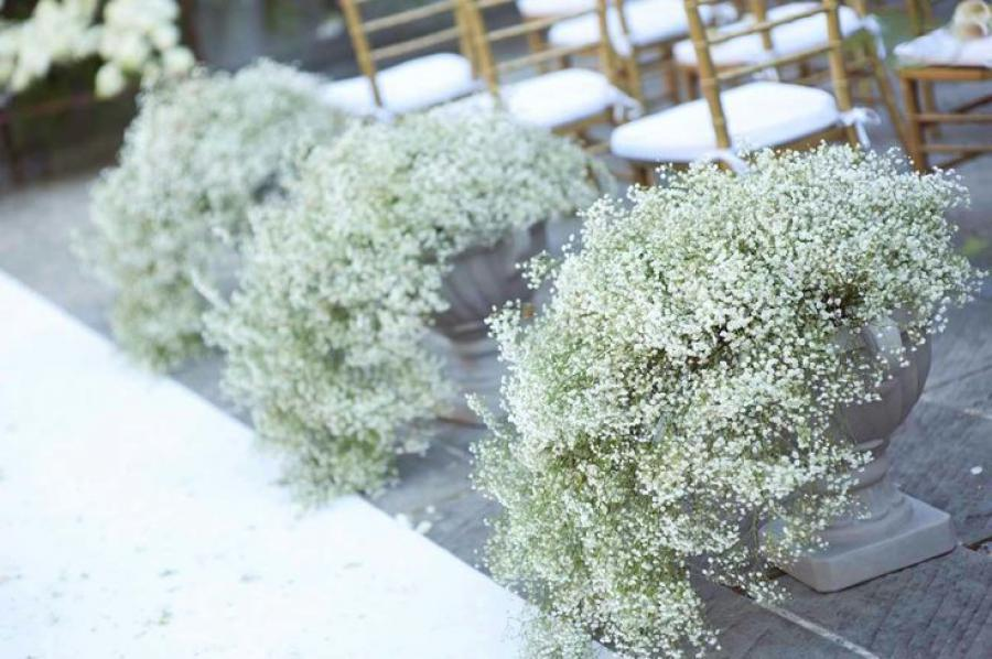 Santorini Wedding Inspiration: 15 Ways to Decorate your Wedding Aisle